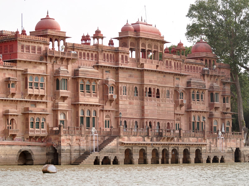 Picturesque Gajner Palace, Rajasthan