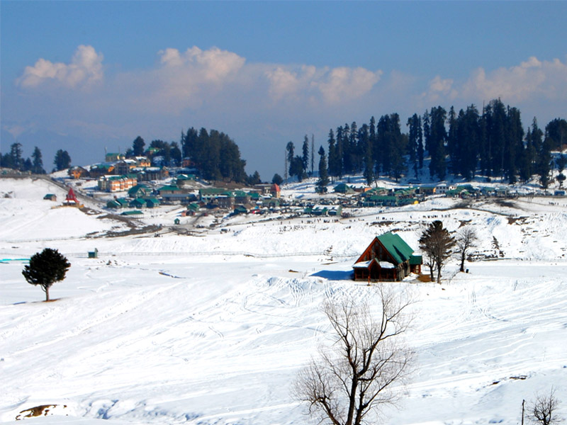 Along the road to Gulmarg