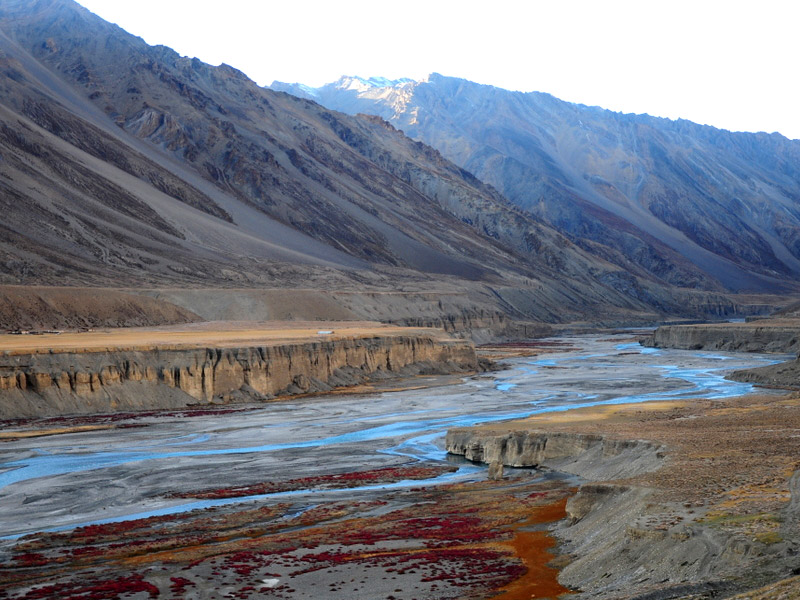 On the Banks of Tsarap Chu(river) in Sarchu